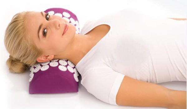 Поможет ли валик при остеохондрозе