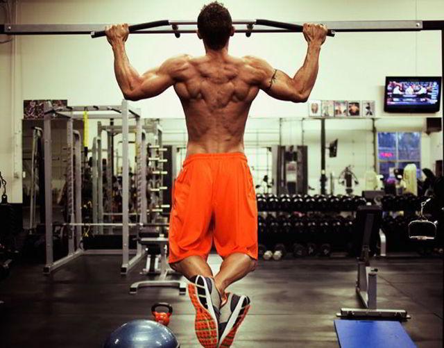 Можно ли заниматься спортом при остеохондрозе?
