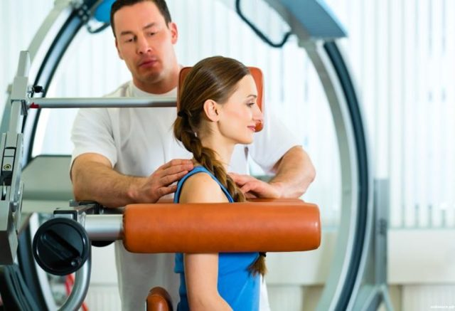 Упражнения, ЛФК и гимнастика при шейном остеохондрозе позвоночника