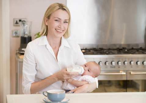 Как хранить сцеженное грудное молоко правильно?