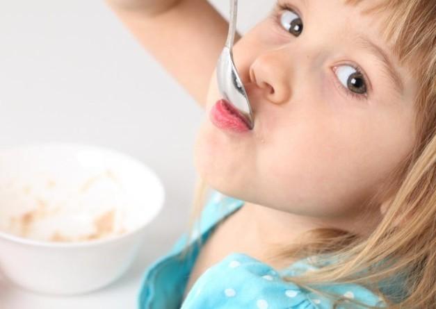 Чем кормить ребенка при отравлении и рвоте