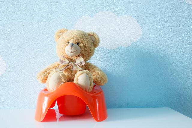 Что должен уметь ребенок в 9 месяцев: коротко о главном