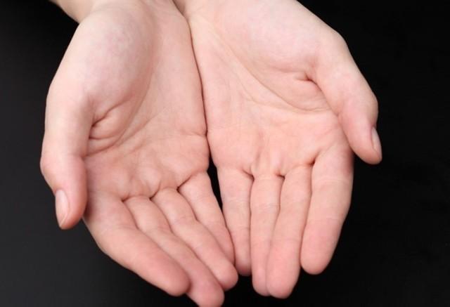 Как лечить водянистые пузырьки, волдыри на руках и ладонях, появляются пупырышки