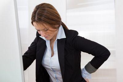 Болит под лопаткой при бронхите: причины