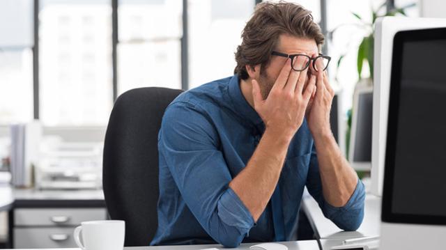 Болят глаза от яркого света: причины