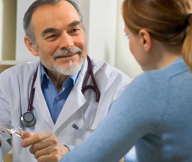 Какой врач лечит от глистов и паразитов: взрослых и детей