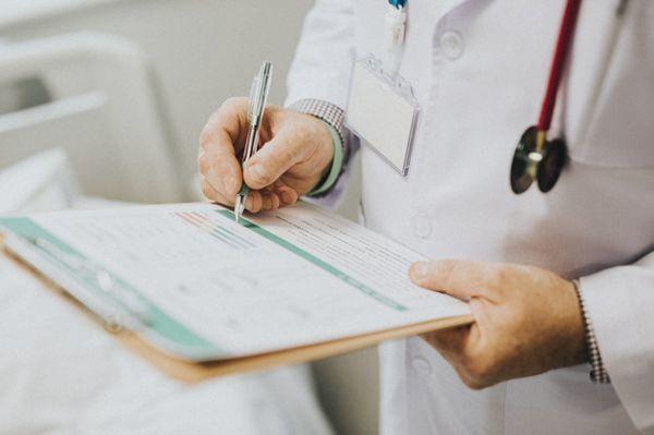 Синдром Жильбера: лечение, что это такое, анализ крови, симптомы, МКБ 10, диагностика, клинические рекомендации, берут ли в армию - у взрослых, детей