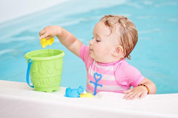 Что должен уметь ребенок в 10 месяцев: умения и навыки