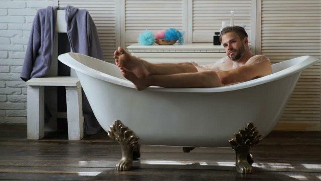 Можно ли принимать горячую ванну при простатите: виды, противопоказания (фото, видео, отзывы)