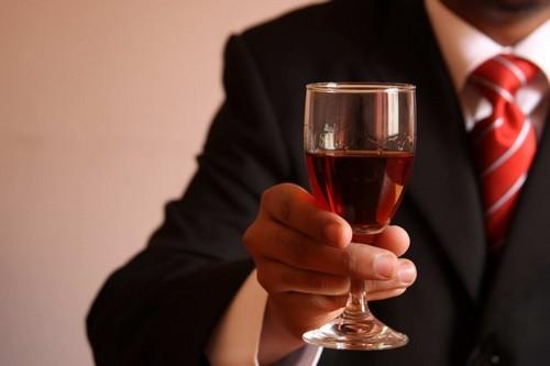 Вино при панкреатите (билиарном, острой и хронической стадии)