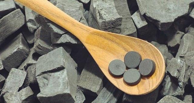 Активированный уголь при грудном вскармливании: что нужно знать?