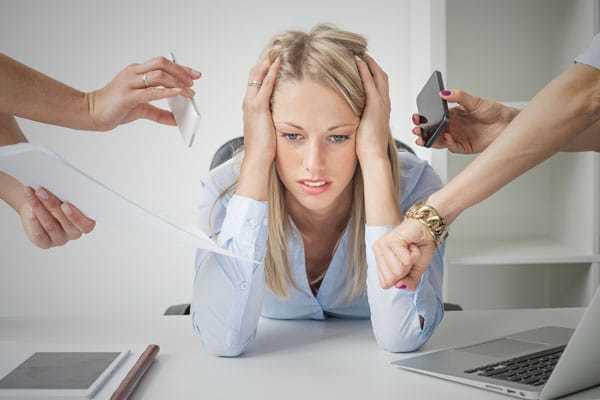 Мигрень у женщин: признаки, причины, лечение, народные средства