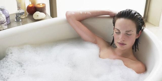 Можно ли принимать горячую ванну при цистите: показания. противопоказания