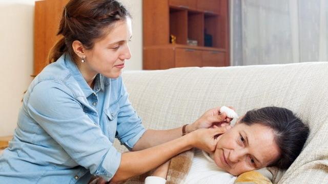 Как применять Мирамистин при отите у ребенка и взрослого
