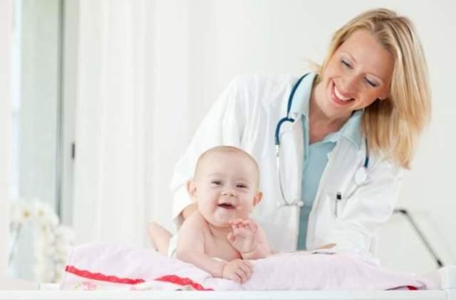 Почему грудничок высовывает язык заболевания и норма у младенца