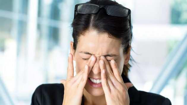 Болят глаза от яркого света причины