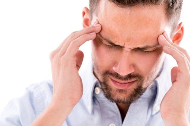 Головная боль в области лба и глаз (давящая, сильная): причины, что делать