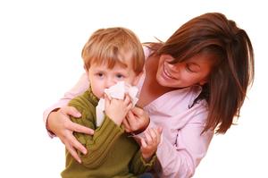 Можно ли гулять ребенку при бронхите